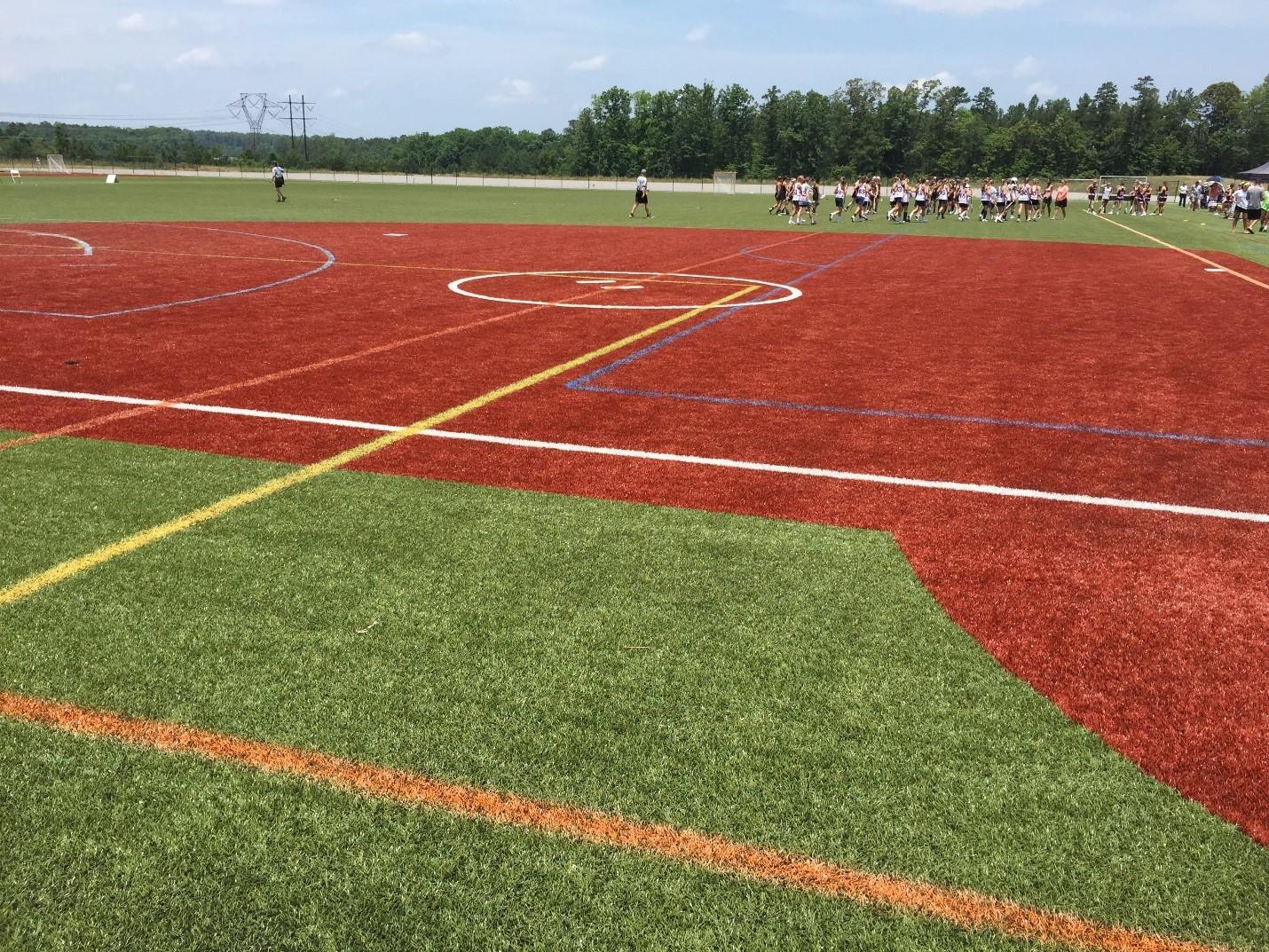 Футболно игрище с изкуствена трева