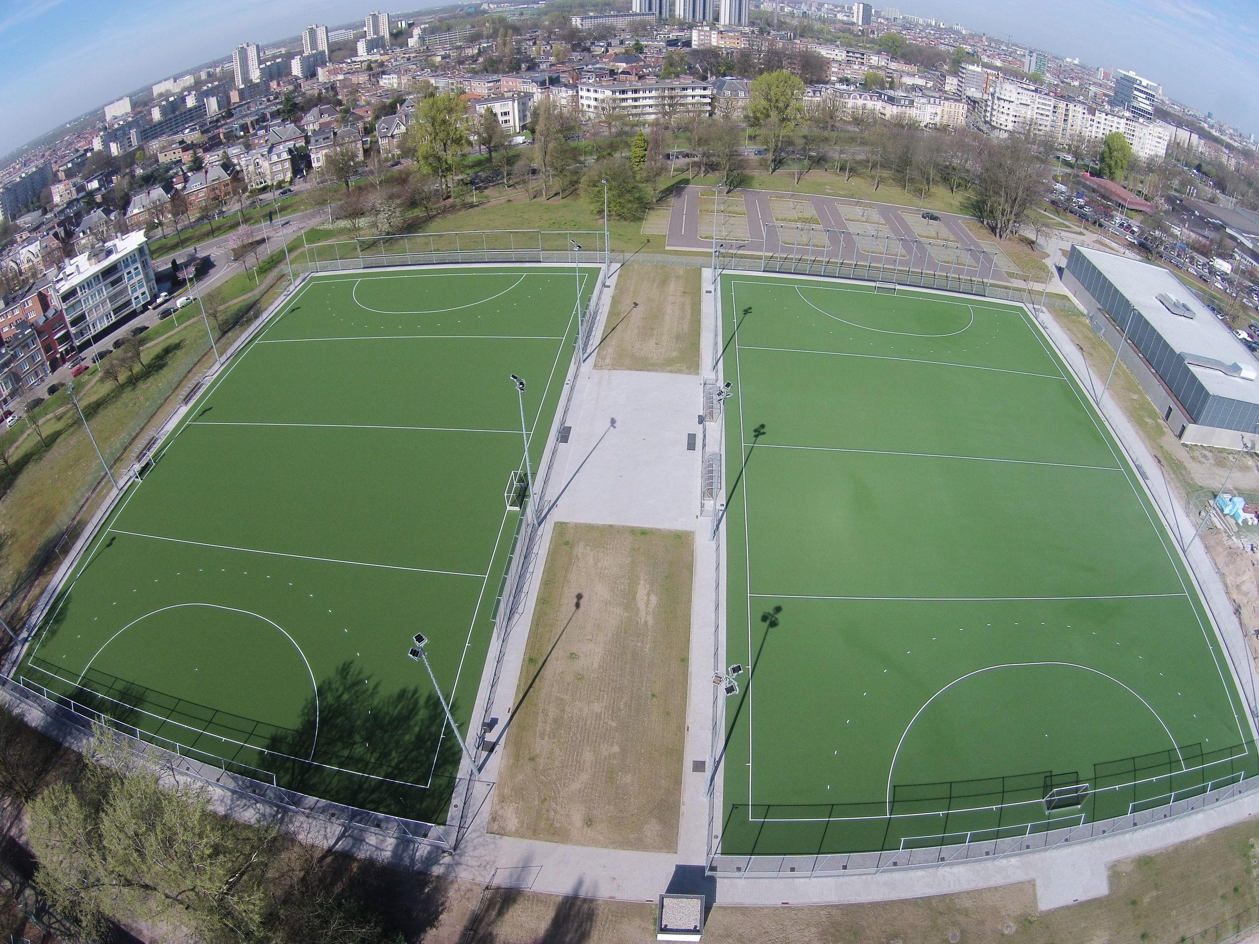 Футболни тренировъчни игрища с изкуствена трева